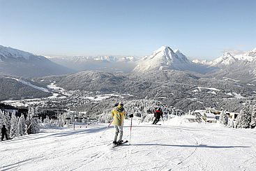 Rosshütte with view over Seefeld